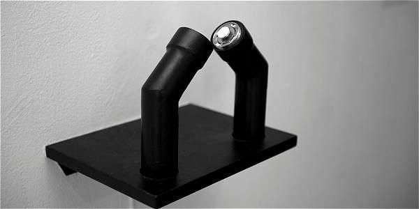 Esta pieza produce sonido cuando se apoya la quijada.