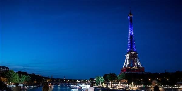 La Torre Eiffel está cerrada por huelga de trabajadores