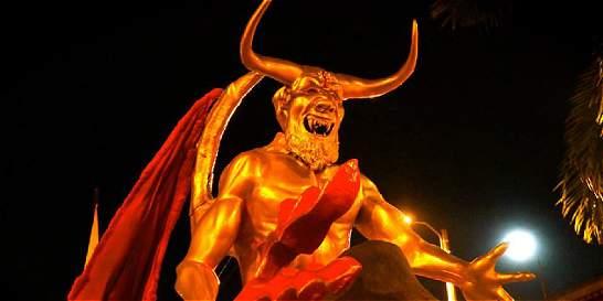 Los viejos diablos que hacen el Carnaval de Riosucio