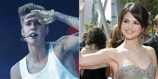 Justin Bieber le canta públicamente a Selena Gómez