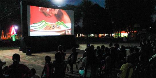 Un sábado, Calamar se convirtió en cine a cielo abierto