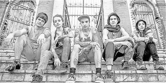'Los Nadie': almas 'punk' que viven a contracorriente