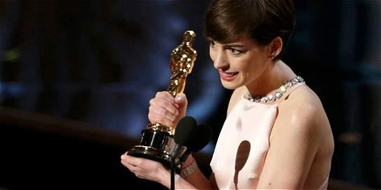 Anne Hathaway dijo que fingió estar feliz cuando ganó el Oscar