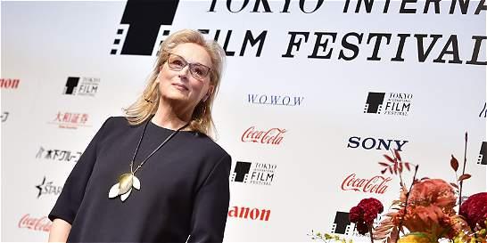 Meryl Streep se sentiría 'halagada' de interpretar a Hillary Clinton