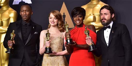 El momento del error en entrega del premio a Mejor Película en los...