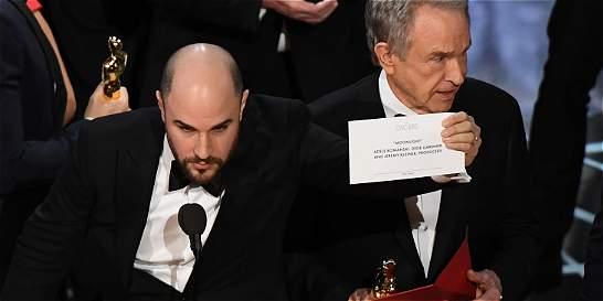 Video: error en la entrega del premio a mejor película en los Óscar