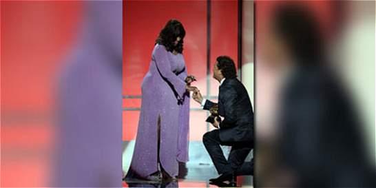 De rodillas, Carlos Vives recibió un nuevo Grammy anglo