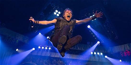 Bruce Dickinson, vocalista de Iron Maiden, superó el cáncer de lengua