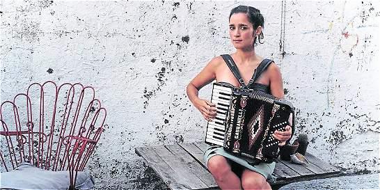Julieta Venegas lanza nuevo disco
