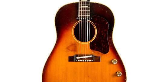 Una guitarra de John Lennon es subastada por 2,4 millones de dólares