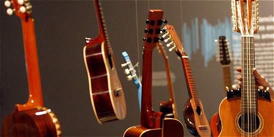 Guitarras que volaron con imaginación de niño