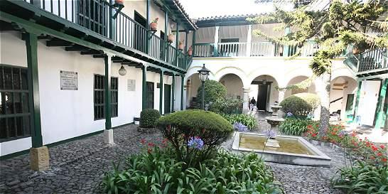 Mincultura anuncia estímulos literarios por 135 millones pesos