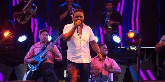 Francisco el Hombre premió la herencia musical de Jhonatan Bolaños