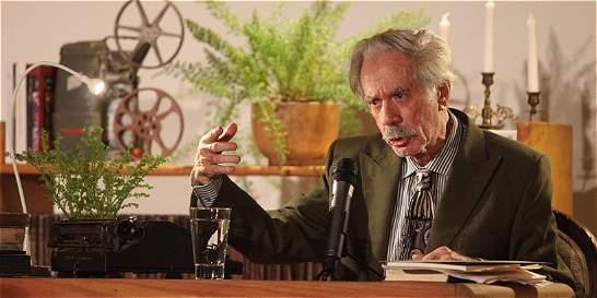 Poeta venezolano Juan Calzadilla, galardonado en Medellín