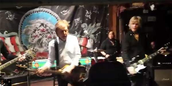 El concierto secreto de Paul McCartney en un bar de California