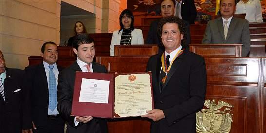 Carlos Vives recibe condecoración de la Cámara de Representantes
