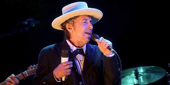 El cantautor Bob Dylan no irá a recibir el Nobel de Literatura