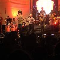 La agrupación de salsa bogotana La 33 estrena su producción 'Caliente'