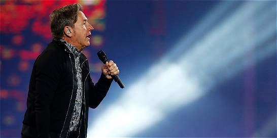 'Mientras yo recibo un Grammy, hay gente que escarba en la basura'