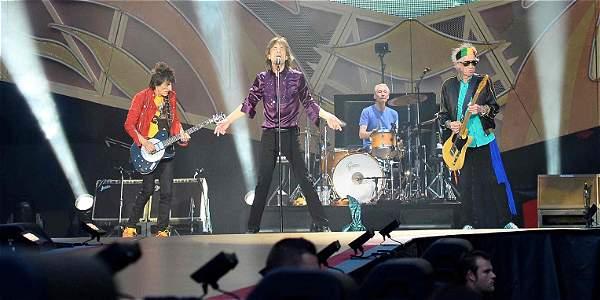 El grupo -formado por Mick Jagger, Keith Ricards, Charlie Watts y Ronnie Wood- colaboró Darryl Jones, Chuck Leavell y Matt Clifford.