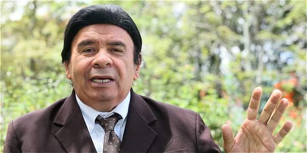 Julio Ernesto Estrada tiene 65 años de carrera musical. Nació en Medellín el 7 de julio de 1951.