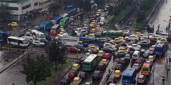Bogotá avanza en la salida de buses viejos