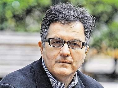 Roberto Ampuero y su estancia en Berlín Oriental