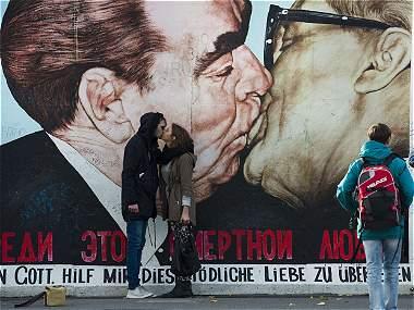 El Muro de Berlín en el mundo, paradójico símbolo de libertad