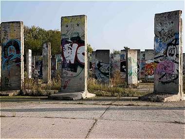 Los restos del Muro de Berlín alrededor del mundo/Galería de imágenes