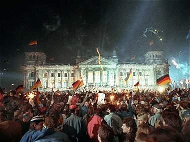 El efecto dominó de la caída del Muro de Berlín