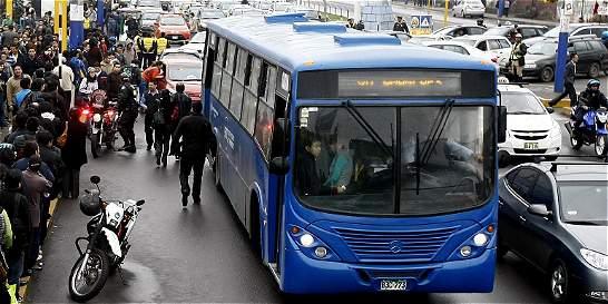 Semáforo amarillo para la movilidad en la capital peruana