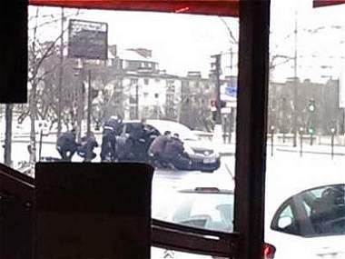 Conexión entre terroristas de Charlie Hebdo y tiroteo al sur de París