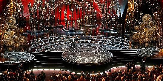 Un presentador en calzoncillos y otras postales de los premios Óscar