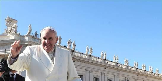 La carta que confirma la llegada del papa Francisco al país