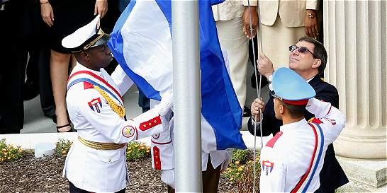 Cuba pidió devolución de Guantánamo al izar bandera en embajada