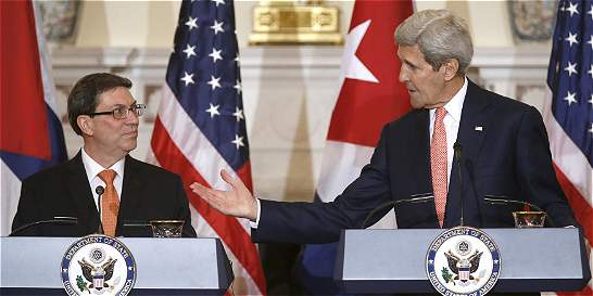 Tema de Guantánamo 'no forma parte de conversación' con Cuba: Kerry