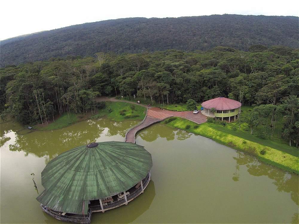 Postal del Centro Experimental Amazónico, muy cerca de Villagarzón. Allí protegen especies de la región.