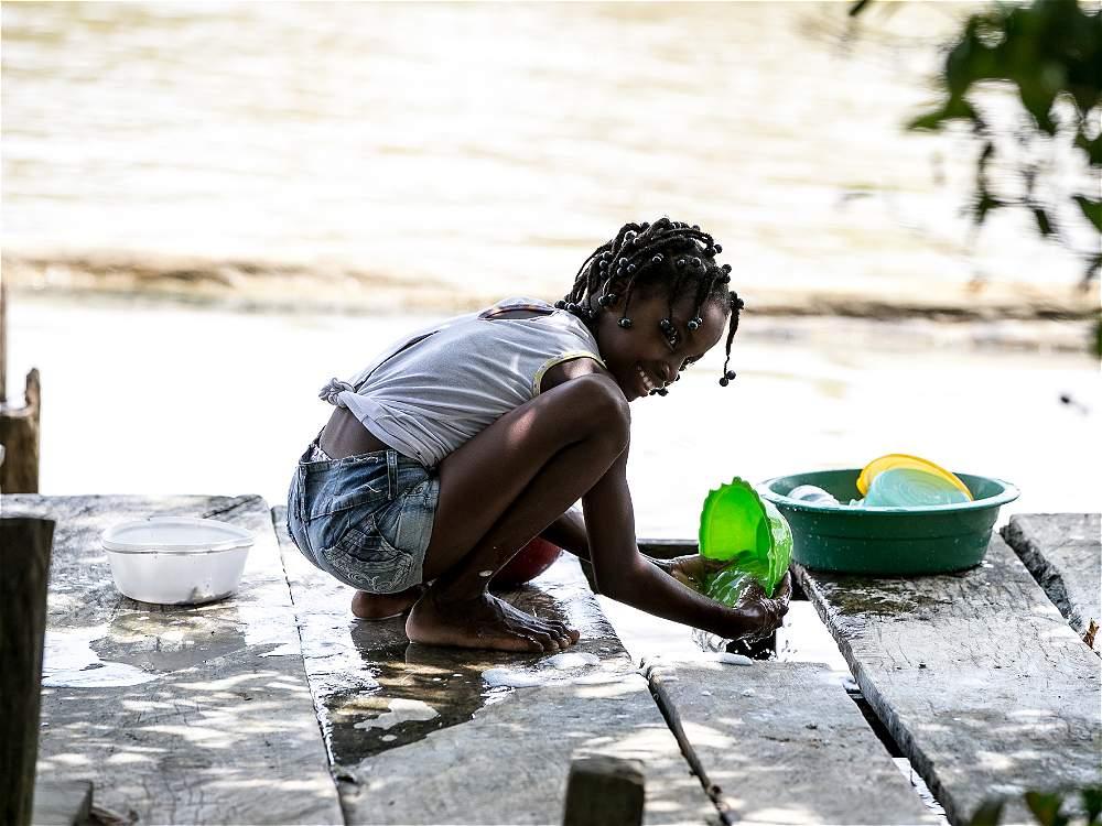 Los niños son mayoría en el caserío del corregimiento Bocas del Atrato, en Turbo (Antioquia), donde apenas hay 110 viviendas.