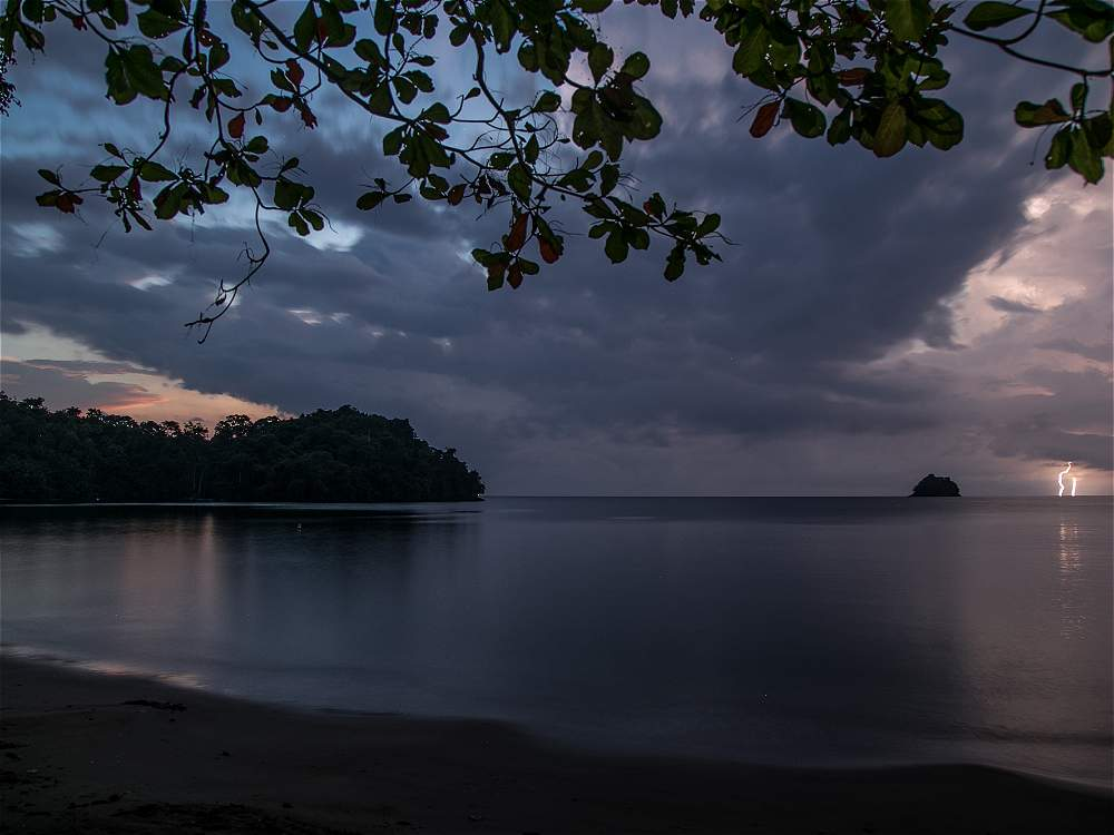 Disfrutar un amanecer en Triganá (Chocó) no tiene precio. Este paraíso natural tiene playas vírgenes rodeadas de selva.