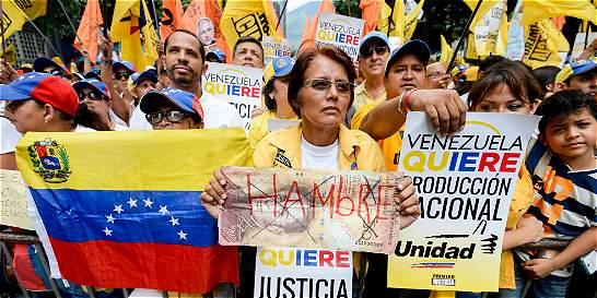 La oposición desafía los espacios del chavismo en las elecciones