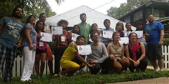 Jóvenes enseñan sobre cambio climático para proteger el Amazonas