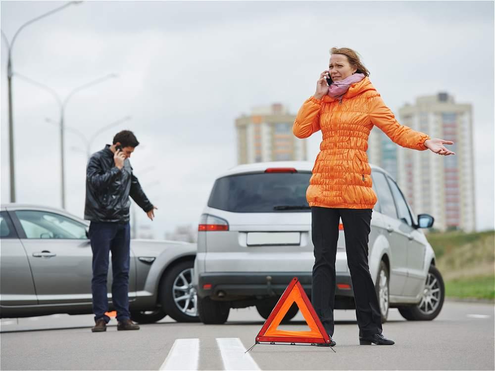Adelantar cerrando: adelantar a un vehículo obstruyendo su camino fue causal de 29.564 incidentes. Solo en el 2013 fueron 7.037 los accidentes por esta causa.