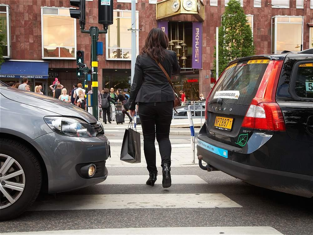 Invadir zona peatonal: los vehículos que se suben a andenes, zonas peatonales o separadores deliberadamente causaron 14.432 siniestros.