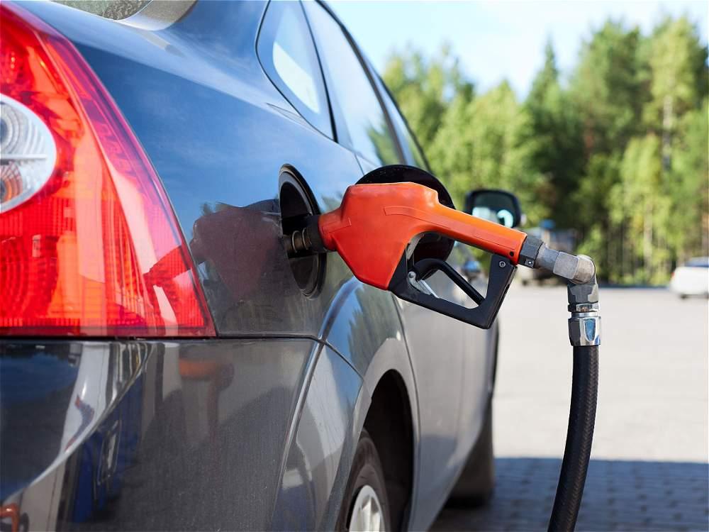 Aprovisionar indebidamente: entre 2010 y 2011, llenar el tanque de combustible con pasajeros a bordo o con el motor encendido causó 11.055 accidentes.