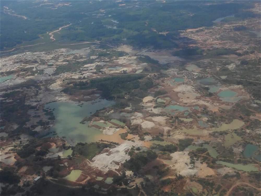 Ayapel (Córdoba). Un 13 por ciento del oro extraído cada año en el país proviene de minas tituladas. El resto, que equivale a unos 8 billones de pesos, se queda en las organizaciones criminales.