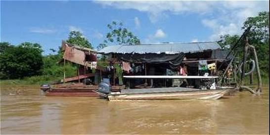 Los 'dragones brasileños' barren la vida en los ríos