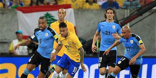 Suárez regresó con gol y Uruguay le empató 2-2 a Brasil