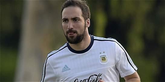 Gonzalo Higuaín podría reemplazar a Sergio Agüero en Argentina