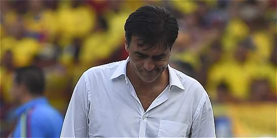 'Colombia fue superior en todas las líneas': DT de Ecuador