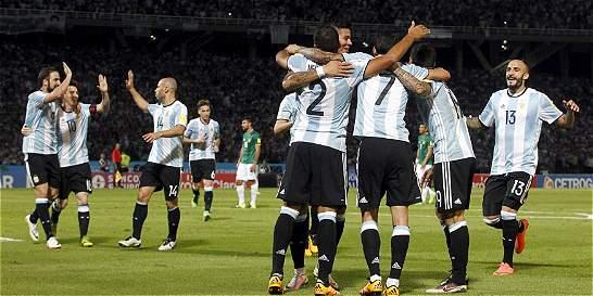 Argentina no encanta, pero gana: 2-0 contra Bolivia
